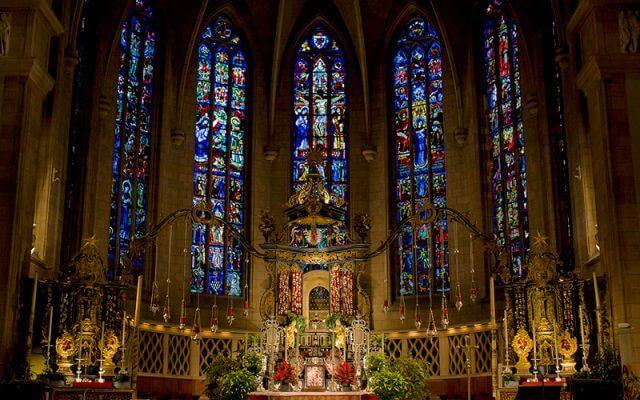 Notre-Dame-Katedrali-640x400