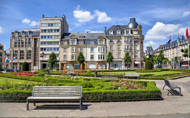Place-des-Martyrs-Bahce-Meydani-640x400