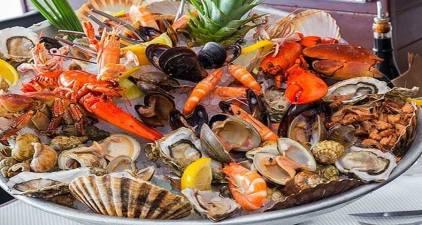 Saint-Tropez'de ne yenilir, ne içilir?