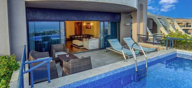 Havuzlu Odalar: Havuz Başı Keyfini Doruğa Çıkaran Muhteşem Oteller